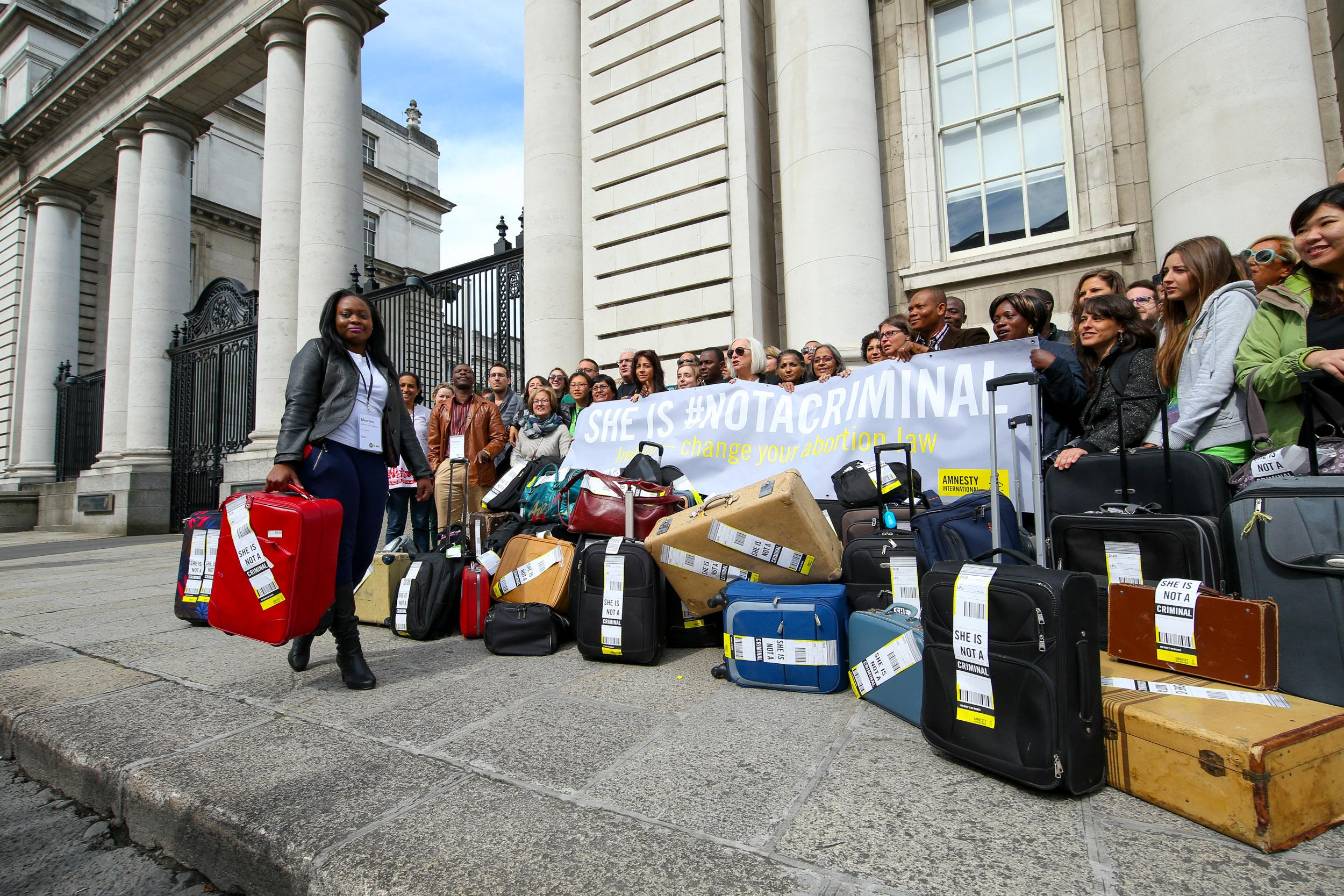 Northern Ireland: Amnesty urges politicians to back abortion law change