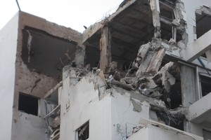 165034_Damage_to_an_apartment_building_in_Rishon_LeZion