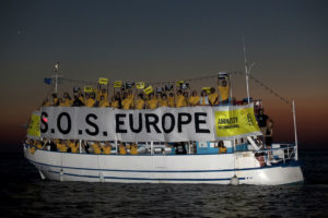 Amnesty action on refugee and migrant crisis