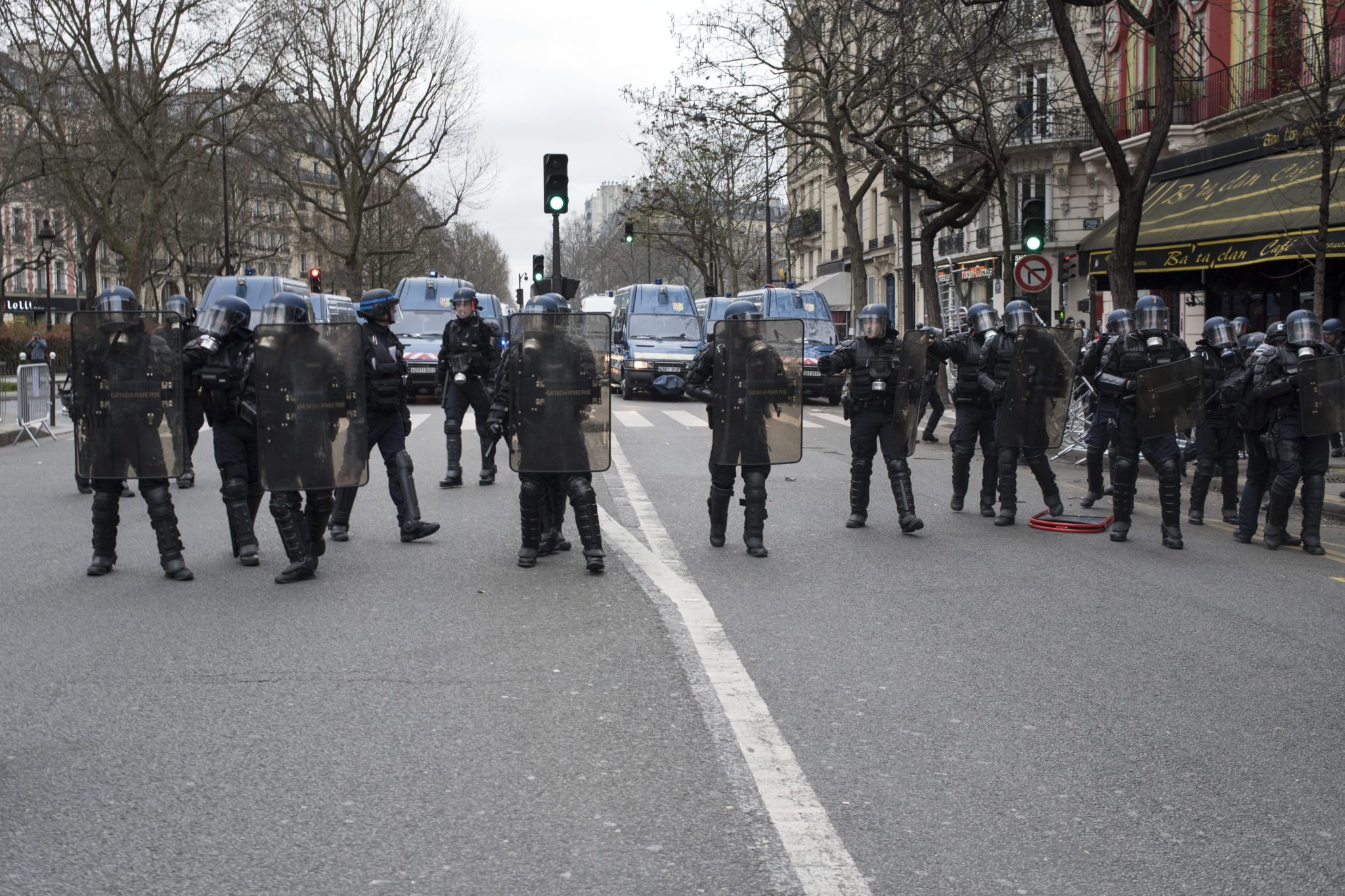France: Unchecked clampdown on protests under guise of fighting terrorism