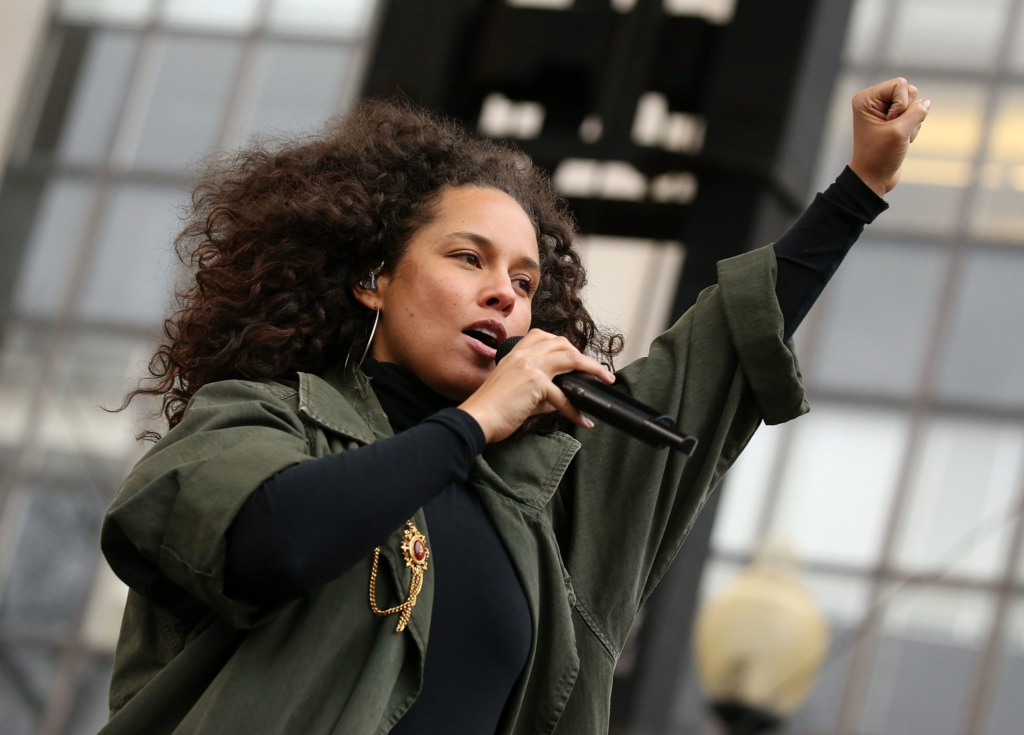 Alicia Keys and the Indigenous rights movement in Canada receive Amnesty International award