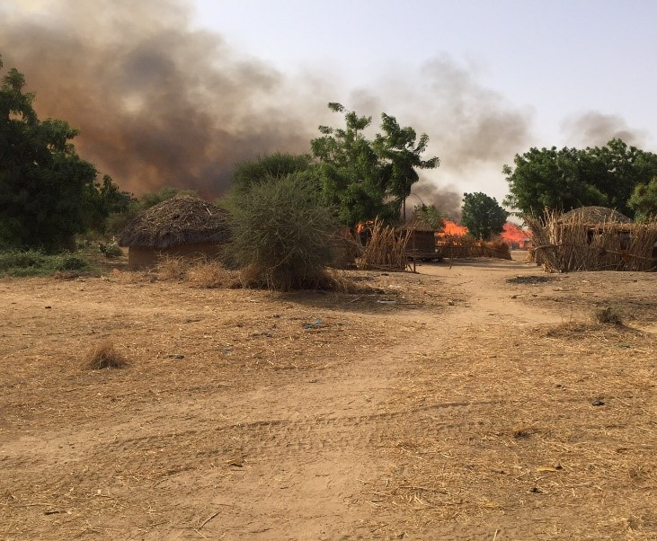 Houses burning following the attack by Boko haram in Bia on 20 April 2015  Contact Balkissa Ide Siddo ( balkissa.idesiddo@amnesty.org ) if you need further information about this image / campaign.