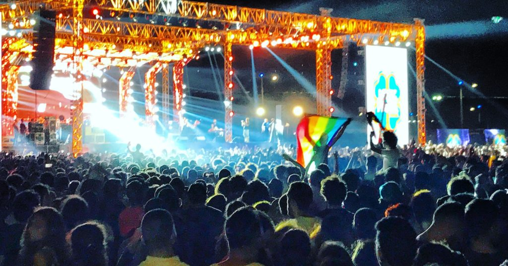Fans of the Lebanese group Mashrou Leila show a a rainbow flag at the concert in Cairo, Egypt, 22 September 2017. The perhaps most famous Indie Rock band of the Arabic World is banned from Egypt because of rainbow flags at their concert, told the Egyptian organisation for musicians the German Press Agency dpa. (Best quality) Photo: Benno Schwinghammer/dpa