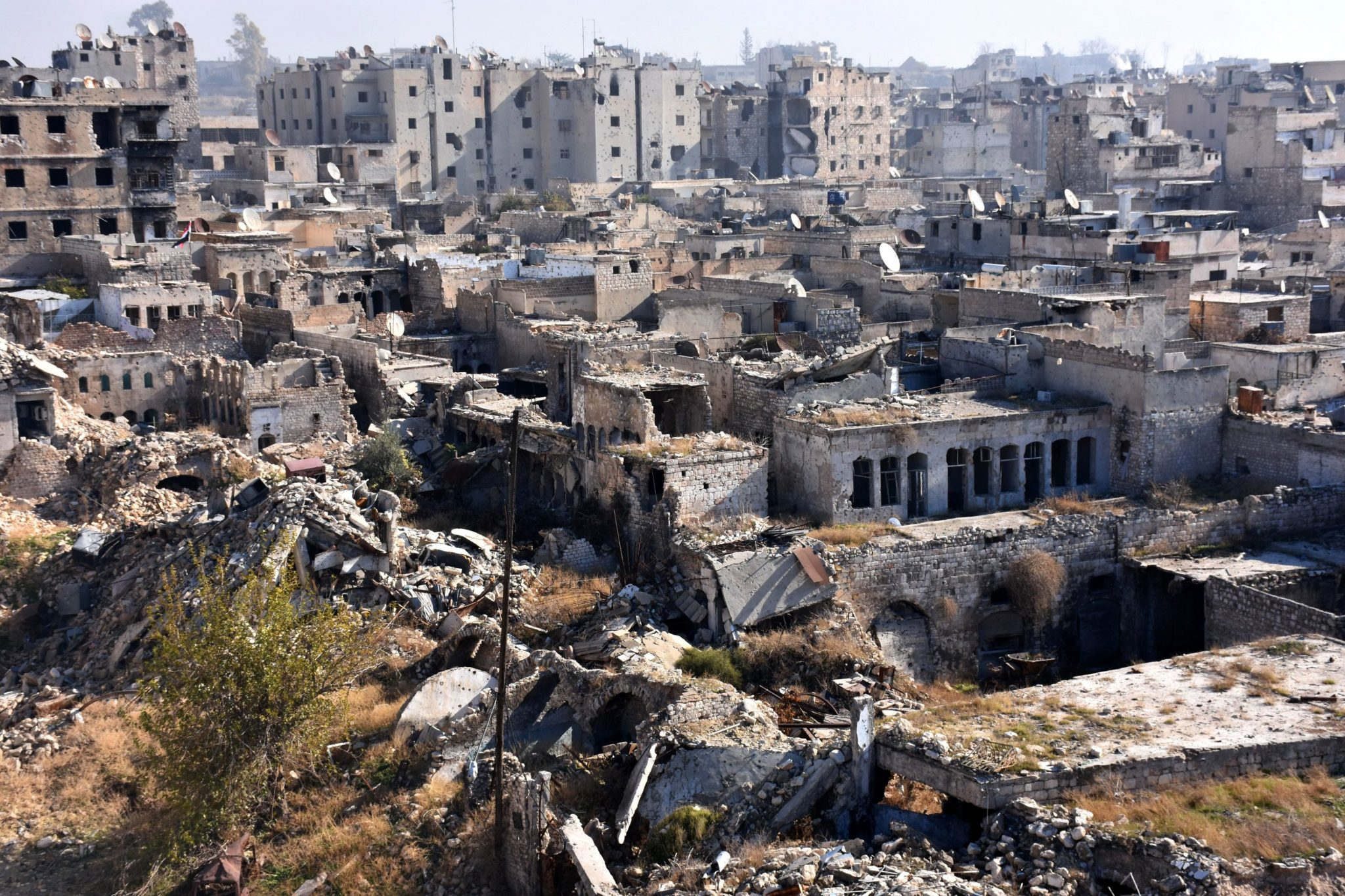 Syria: 'Surrender or starve' strategy displacing thousands amounts to crimes against humanity