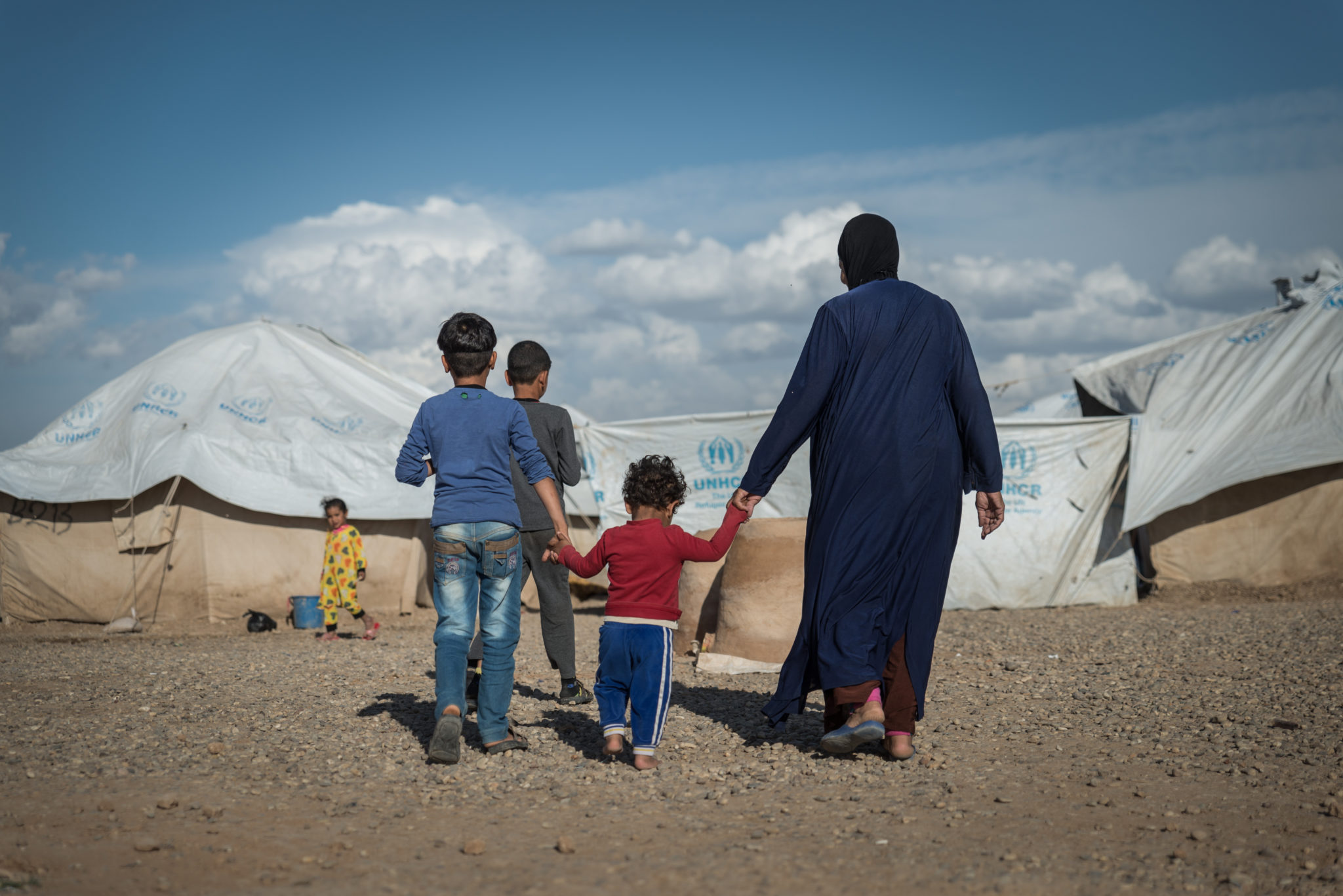Iraq: Women and children with perceived ties to IS denied aid, sexually exploited and trapped in camps