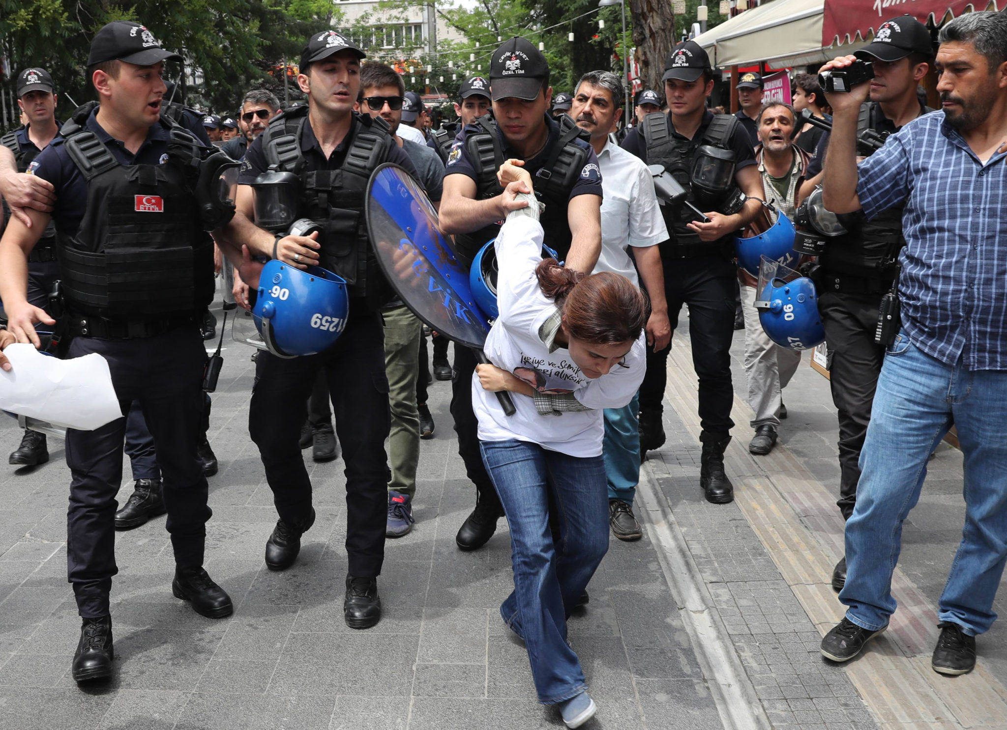 Turkey: Weathering the storm: defending human rights in Turkey's climate of fear