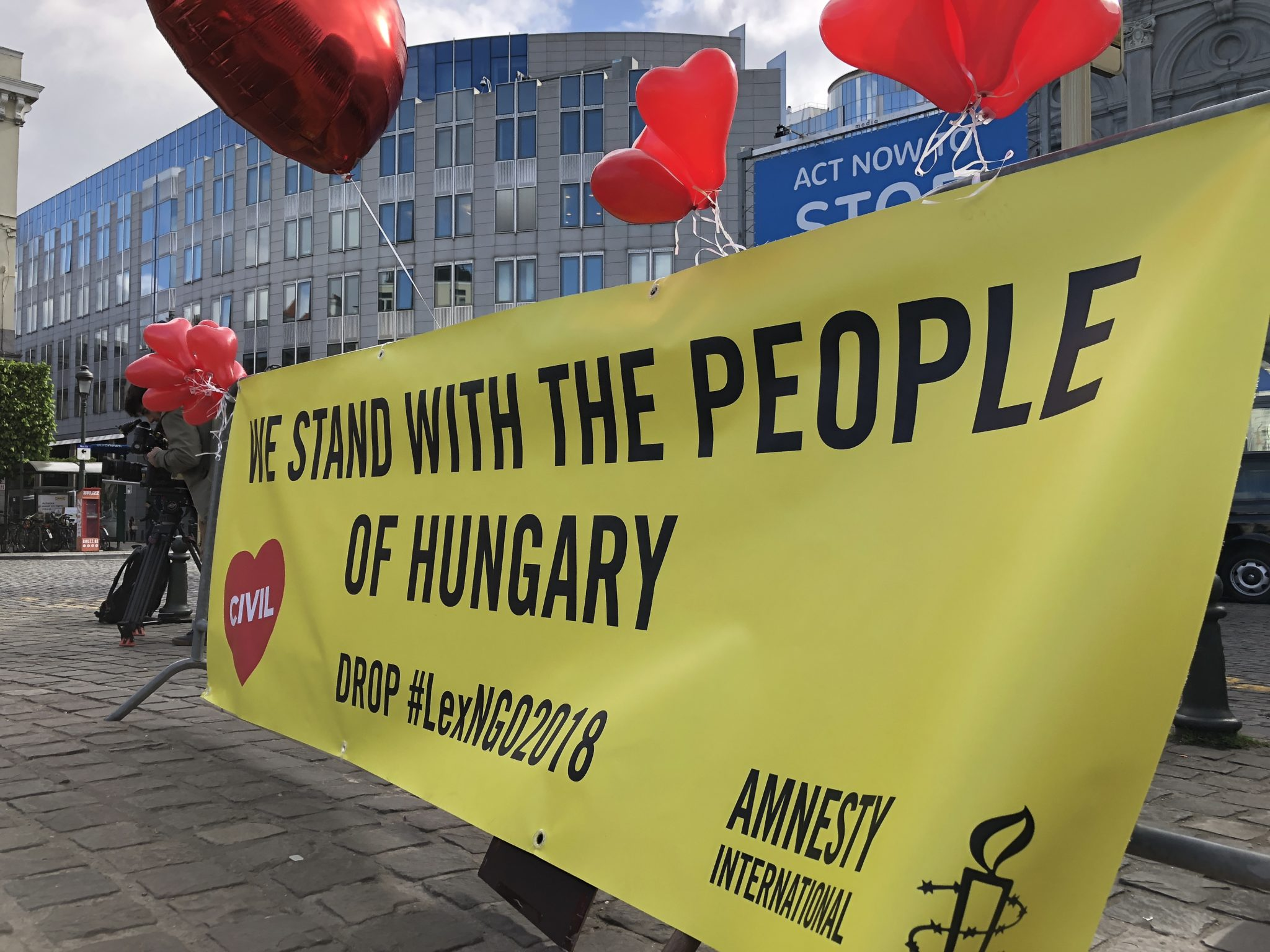 Hungary: Amnesty launches legal challenge to shameful law on migration that targets civil society