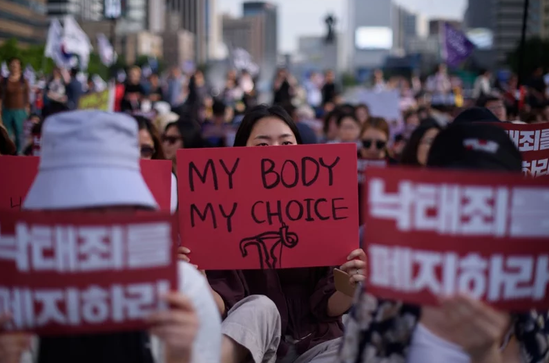 South Korea: Top court orders reform of abortion laws in historic victory for women's rights