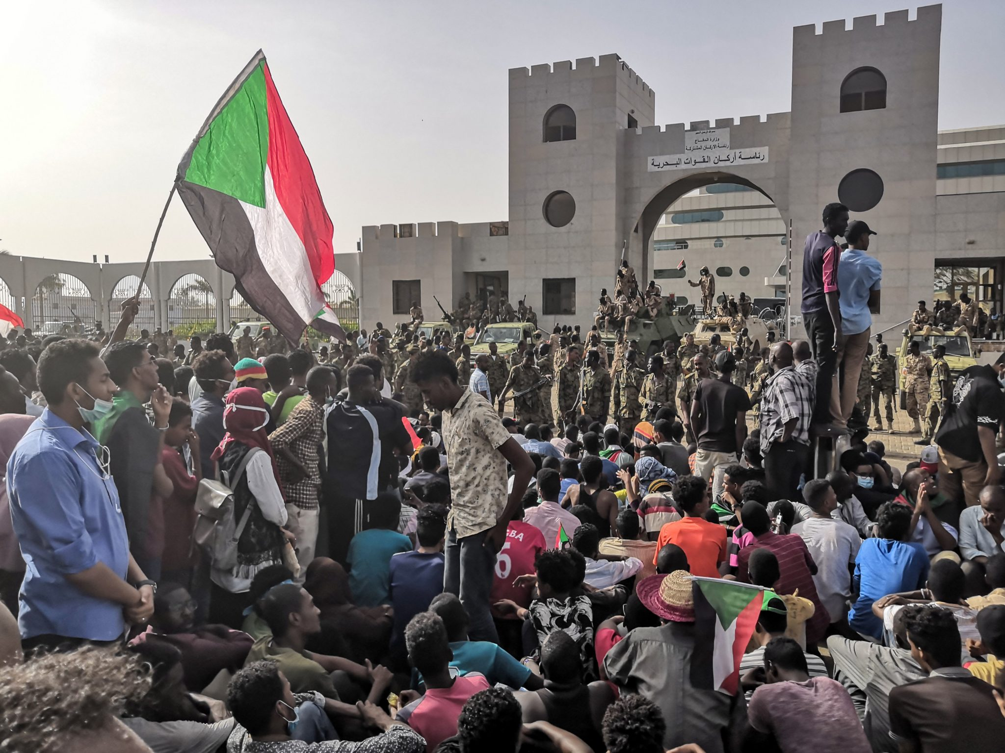 Stop attacks on protesters in Sudan