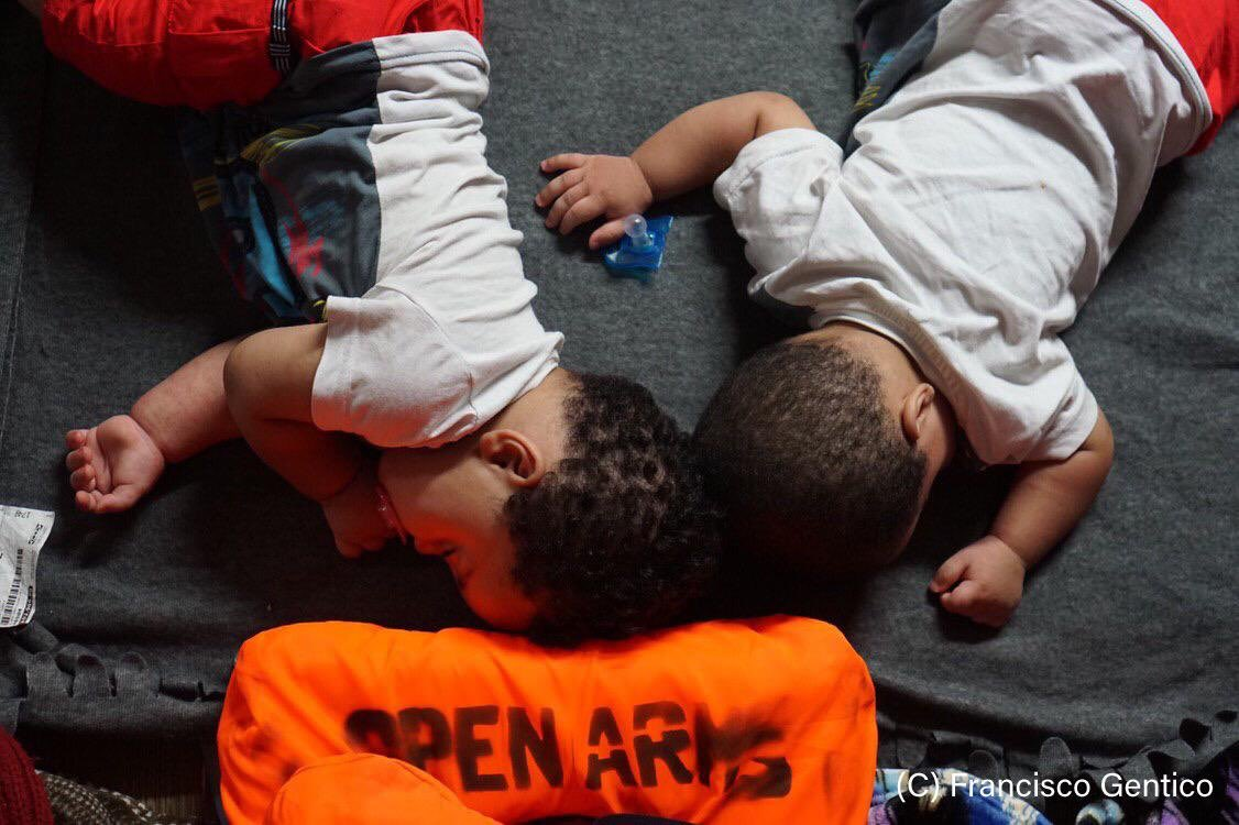 Italy/Malta/Spain: 121 people including babies and children stranded at sea in searing heat must be allowed to dock