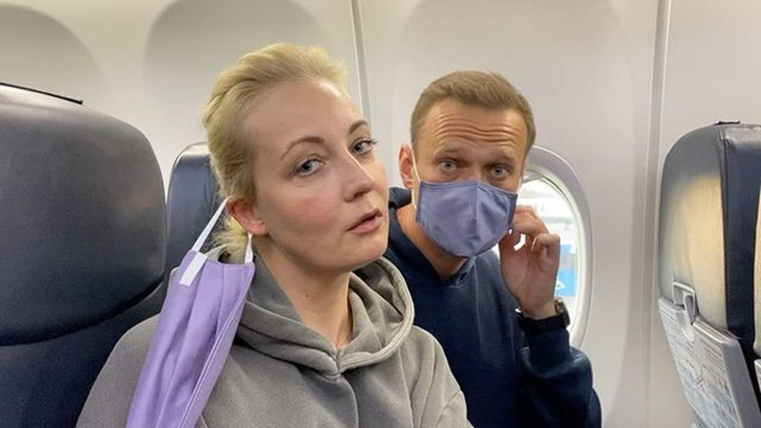 Russia: Aleksei Navalny becomes prisoner of conscience after arrest on arrival in Moscow