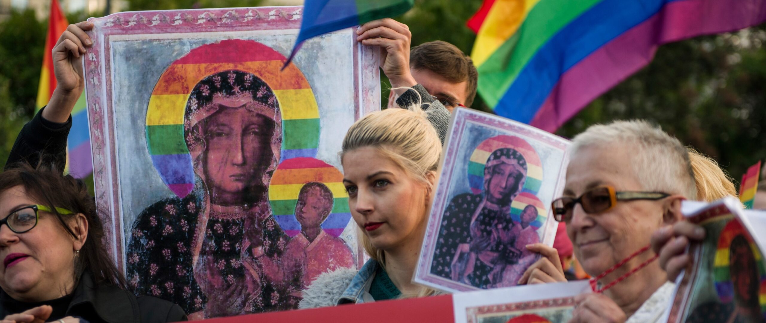 Poland: Rainbow halo women's acquittal shows tactics of intimidation against activists